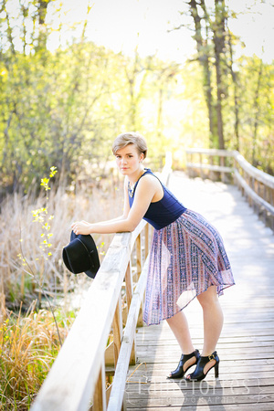 photo session for coon rapids high school senior maria hennen