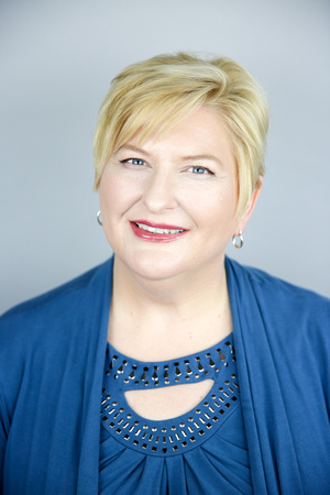 laine torres photography professional photographer laura brandt plymouth headshots corporate photos online branding business social media
